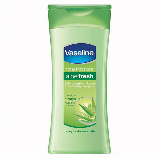Vaseline Total Moisture Aloe Fresh Lotion (300 Ml)